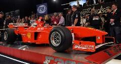 シューマッハがドライブしたフェラーリのF1マシンが170万ドルで落札されちゃうオークション動画