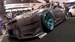 東京オートサロン2014 外国人記者がGT-Rのチューニングカーを紹介しちゃう動画