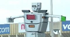 コンゴ共和国 超最新スーパーオートマチック交通整理ロボットを作ったンゴ