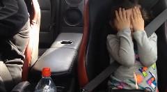女の子が1000馬力 日産 GT-Rの超絶加速に大喜びしちゃう動画