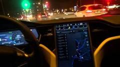 テスラ モデルSのナイトドライブが未来的すぎる動画