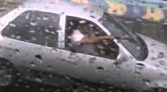 雨の日は大変なんですっていう動画