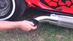 排気ガスにライターで火をつけてみた動画