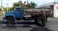 テキトーすぎる道路補修工事