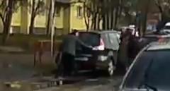 迷惑駐車に10円パンチでお仕置きしちゃう動画