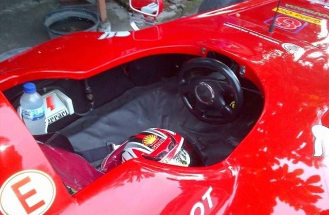 Ferrari F1 Car Replica 4