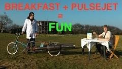 なんだこれwww ジェットエンジンの風圧に耐えながらシリアルを食べてみた動画