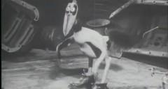 これはスゴイ!1930年に作られた金属を食べる奇妙な鳥のストップモーションアニメ