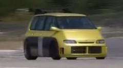 本物のF1エンジンを積んじゃった世界一速いミニバンの動画