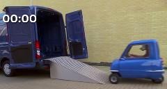 フォード「新しいトランジット広くてスゲーだろ」 → ピール P50スゲー!