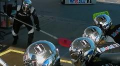 ガソリンスタンドに入ったらF1のピットクルーに洗車されてジェンソン・バトンまで現れちゃうモービル1の面白CM