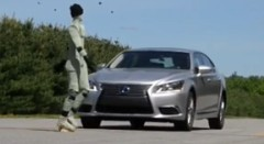 レクサス LS600h の衝突回避システムを実験してみた動画