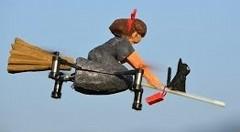 クアッドコプターQ-Botを魔女の宅急便にしちゃった動画