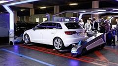 デュッセルドルフ国際空港の自動駐車ロボットが未来的でスゴイ!っていう動画