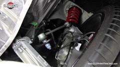 ポルシェ 991 GT3 のフロントリフティングシステムの動きがよくわかる動画