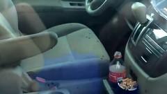 ギャー!!!!車内がゴキブリの巣と化した日産 クエストがヤバすぎる動画