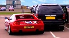 美女ドライバーがフェラーリ F355 をぶつけちゃう動画