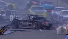 NASCARマシンのボディがよくわかる動画