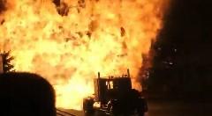 カム着火インフェルノォォォオオオウ!!! 圧倒的火力で看板を黒焦げにしちゃうジェットトラックがド迫力すぎる動画