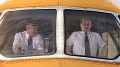 ジャンボジェットでレースしちゃう面白短編動画