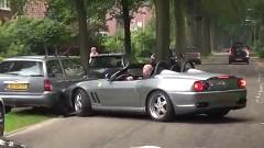 カッコつけたフェラーリ 550 バルケッタが発進直後にクラッシュしちゃう動画