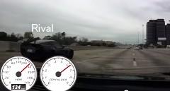 日産 GT-Rとシボレー コルベットが公道を爆走しちゃう動画