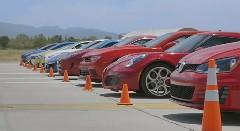 今年も打倒GT-R! GT-R NISMO vs 991ターボS  vs WRX STI vs M4 vs i8 vs カマロ Z/28 vs F-Type クーペR vs ゴルフ GTI vs 4C vs フィエスタ ST 10台同時ドラッグレース動画