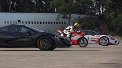 ドゥカティ 1199 スーパーレッジェーラ vs ポルシェ 918 スパイダー vs マクラーレン P1 豪華二輪vs四輪ドラッグレース動画