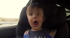 パパのドリフトを体験した4歳の男の子がとってもカワイイ動画