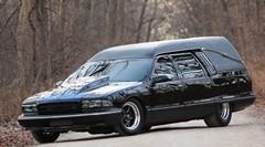ビックリして生き返るかも!世界一速い1000馬力の霊柩車