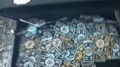 モノポリーのお金でフェラーリ 458 イタリアを買おうとしてみたイタズラ動画
