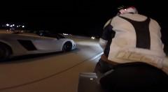 はえー!2000馬力ランボルギーニ ガヤルド vs BMW S1000RR vs 900馬力GT-R vs 1400馬力スープラ 公道加速対決動画