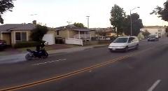 公道をドリフトしっぱなしで爆走しちゃう迷惑バイク動画