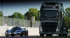 ボルボ トラック vs ケーニグセグ ワン サーキット対決動画