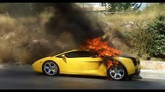 あんたの車燃えてるぞ!愛車が燃えている写真を見せてビックリさせちゃうイタズラ動画