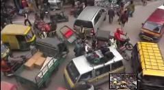 まったく動ける気がしない!インドのラッシュアワーがカオスすぎる動画