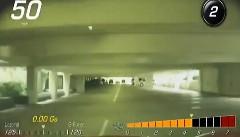 駐車場係が客のコルベット スティングレイで無茶しちゃう動画
