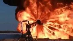 炎が360度吹き出しちゃう火炎放射器がド迫力な動画