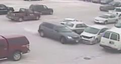 92歳のおじいちゃんが駐車場で9台もの車に激突しちゃう動画