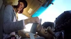 ママが550馬力のミニバンで超絶ドリフトしちゃうケン・ブロック風動画