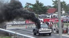 まるでエンジン火災なディーゼルドラッグカー動画