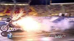 ドラッグハーレーがスタート直後にエンジンブローしちゃう動画