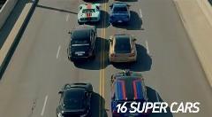 世界のハイパフォーマンスカー16台が封鎖した橋の上でドラッグレースしちゃう豪華対決動画