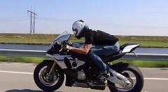 ヤマハ YZF-R1M vs 750馬力 日産 GT-R 公道加速対決動画