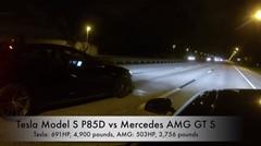メルセデス AMG GT S vs テスラ モデル S P85D 加速対決動画