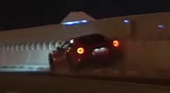 日産 GT-R とバトル中のフェラーリ F12 ベルリネッタがクラッシュしちゃう動画