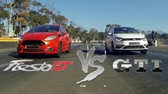 フォルクスワーゲン ポロ GTI vs フォード フィエスタ ST 加速対決動画