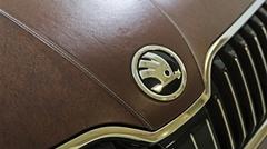 本物の革で包まれたボディが美しすぎるシュコダ スペルブ