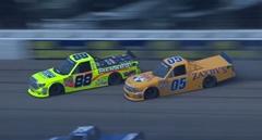 NASCARのダブルドリフト危機一髪動画