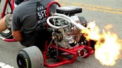 かっちょよすぎるエンジン付きドリフト三輪車